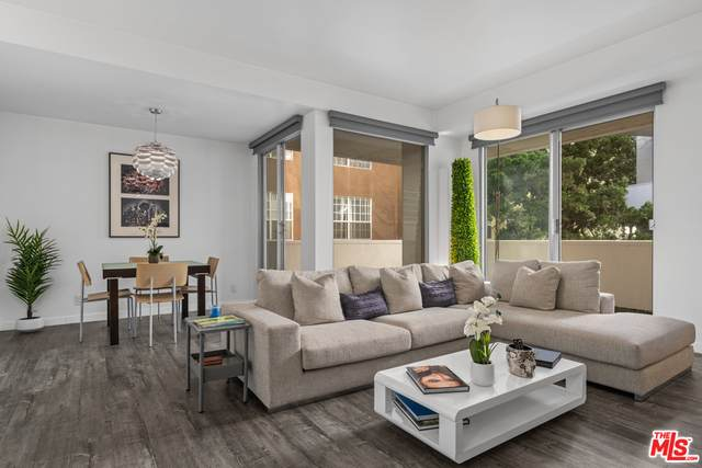 7250 Franklin Ave #410, Los Angeles, CA 90046 (#21-678376) :: Compass