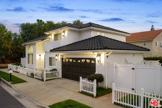 22102 Blackhawk St, Chatsworth, CA 91311 (#21-683638) :: Berkshire Hathaway HomeServices California Properties
