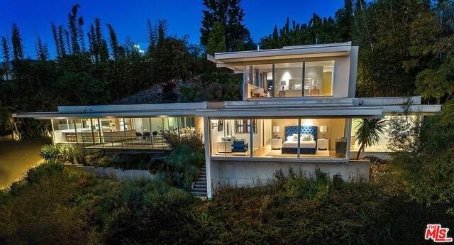 201 N Bentley Cir, Los Angeles, CA 90049 (#21-685814) :: Amazing Grace Real Estate | Coldwell Banker Realty