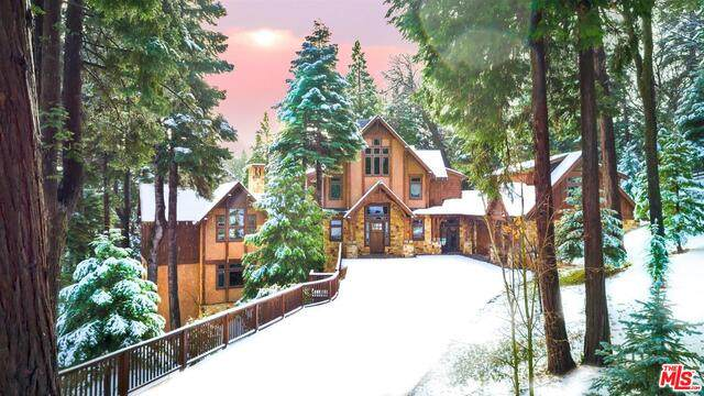 29025 Red Grouse Ct, Lake Arrowhead, CA 92352 (#21-688092) :: The Grillo Group