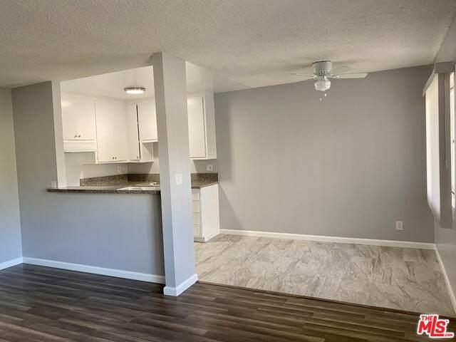 13040 Dronfield Ave #15, Sylmar, CA 91342 (#21-689780) :: Berkshire Hathaway HomeServices California Properties
