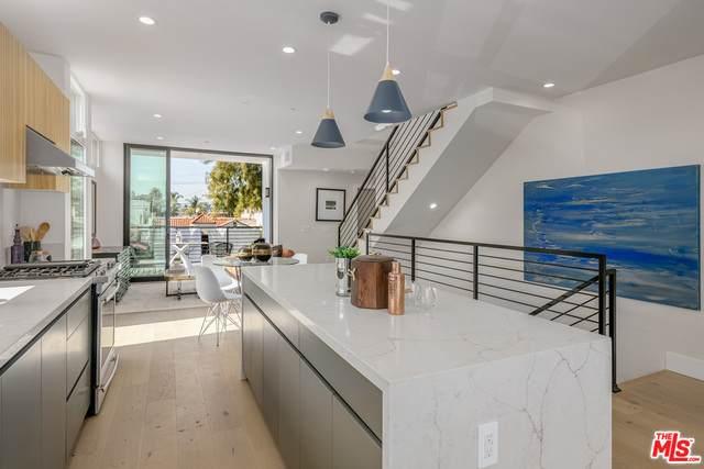 836 N Mccadden Pl, Los Angeles, CA 90038 (#21-691060) :: Berkshire Hathaway HomeServices California Properties