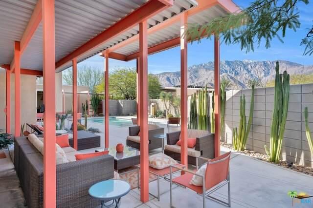 1159 Azure Ct, Palm Springs, CA 92262 (#21-691542) :: The Pratt Group