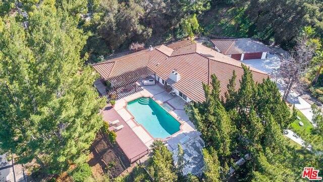 60 Inverness Rd, Westlake Village, CA 91361 (#21-693186) :: Berkshire Hathaway HomeServices California Properties