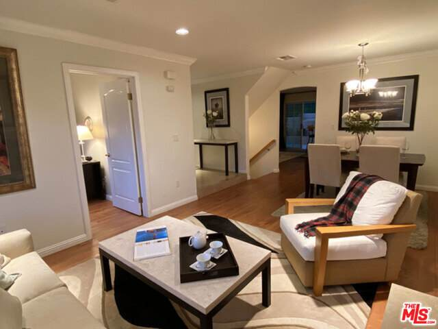 3419 Andrita St, Los Angeles, CA 90065 (#21-693312) :: The Grillo Group