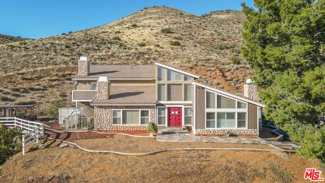 8855 Escondido Canyon Rd, Agua Dulce, CA 91390 (#21-694206) :: HomeBased Realty