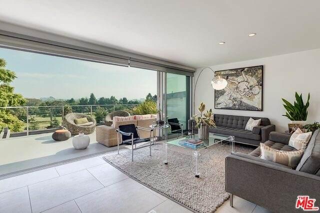 2002 Navy St, Santa Monica, CA 90405 (#21-694702) :: Berkshire Hathaway HomeServices California Properties