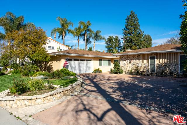 6200 Capistrano Ave, Woodland Hills, CA 91367 (#21-696290) :: Randy Plaice and Associates