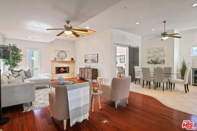 315 Anita St B, Redondo Beach, CA 90278 (#21-698128) :: Berkshire Hathaway HomeServices California Properties