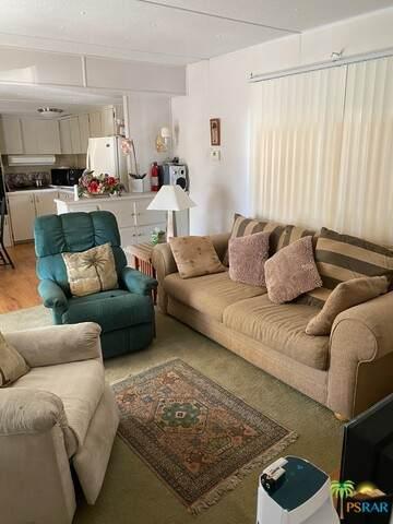 18801 Roberts Rd Rd #164, Desert Hot Springs, CA 92241 (#21-698548) :: Berkshire Hathaway HomeServices California Properties