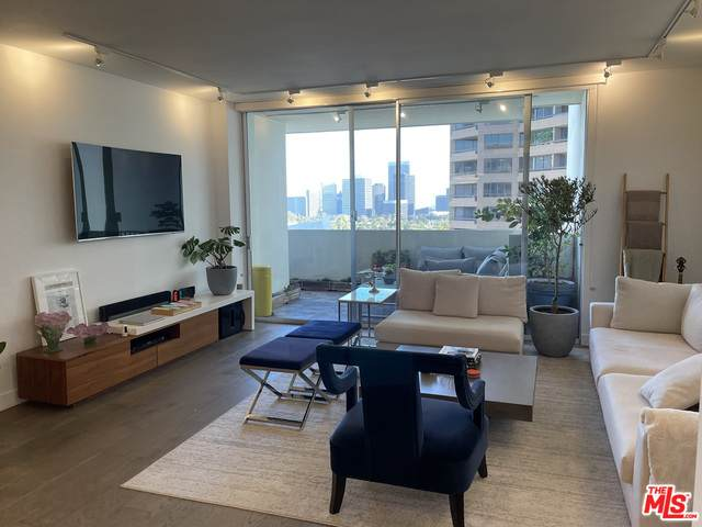 10433 Wilshire Blvd #1003, Los Angeles, CA 90024 (#21-698820) :: The Grillo Group