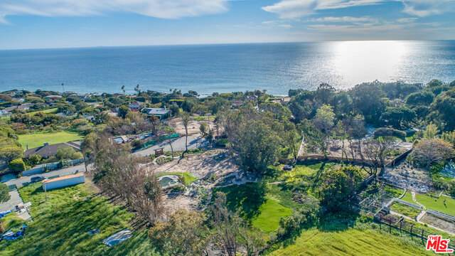 29271 Greenwater Rd, Malibu, CA 90265 (MLS #21-698882) :: Hacienda Agency Inc