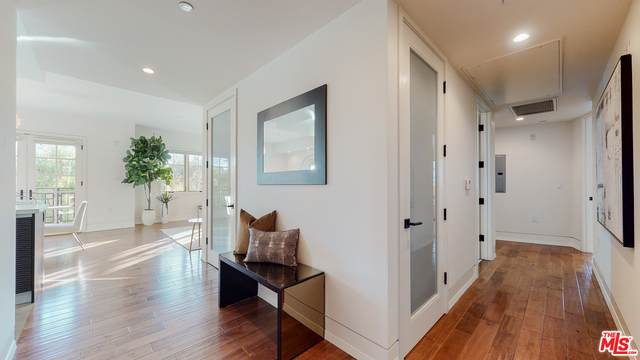 227 S Hamilton Dr #313, Beverly Hills, CA 90211 (#21-699336) :: The Grillo Group