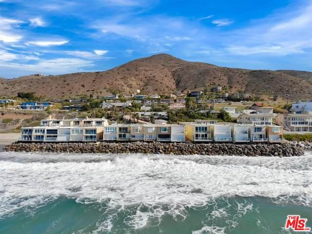 11770 Pacific Coast Hwy D, Malibu, CA 90265 (MLS #21-705914) :: Zwemmer Realty Group
