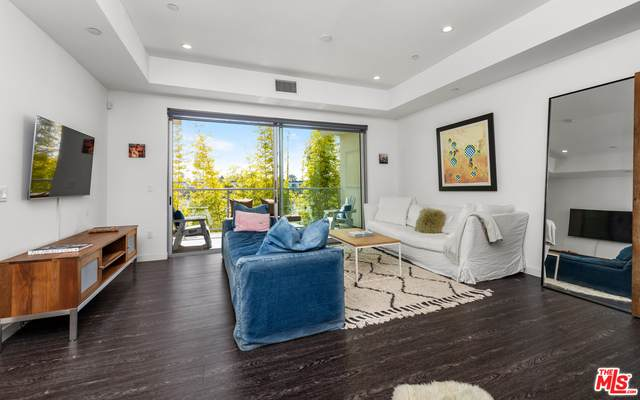 4140 Glencoe Ave #410, Marina Del Rey, CA 90292 (#21-707578) :: Amazing Grace Real Estate | Coldwell Banker Realty