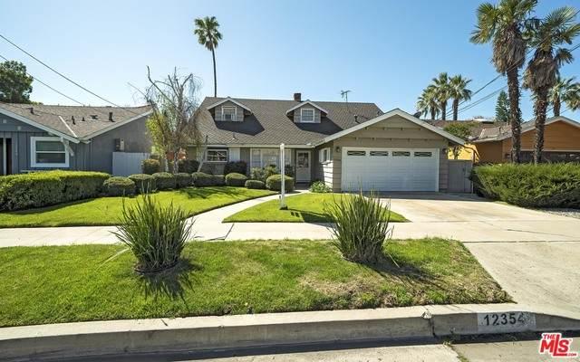 12354 Debby St, Valley Glen, CA 91606 (#21-708338) :: Randy Plaice and Associates
