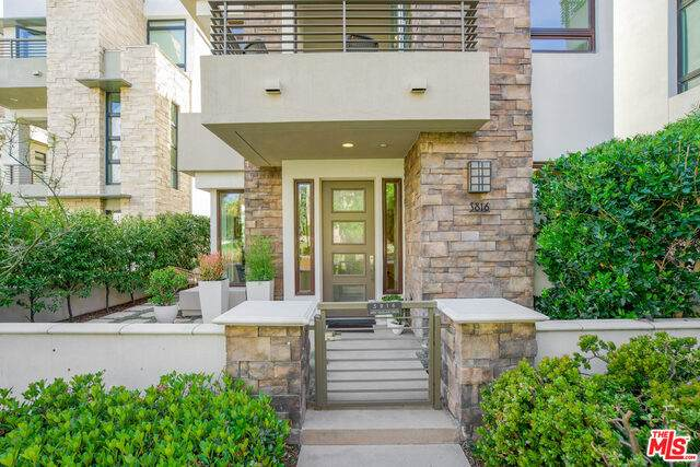 5816 W Seaglass Cir, Playa Vista, CA 90094 (#21-712262) :: TruLine Realty