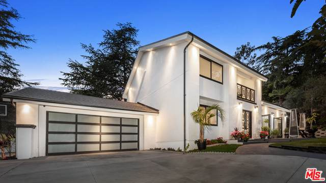 1881 Mount Olympus Dr, Los Angeles, CA 90046 (#21-721182) :: Lydia Gable Realty Group