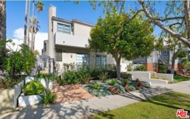 817 17Th St #3, Santa Monica, CA 90403 (#21-721940) :: The Grillo Group