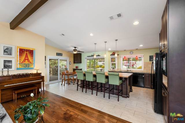 2731 N Cerritos Rd, Palm Springs, CA 92262 (#21-722240) :: The Grillo Group