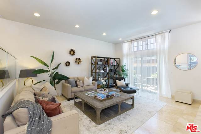 1138 20Th St #8, Santa Monica, CA 90403 (#21-727630) :: Amazing Grace Real Estate | Coldwell Banker Realty