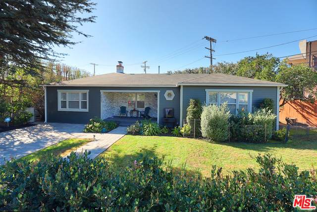 2527 Barry Ave - Photo 1