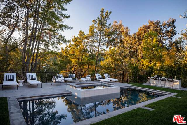 9607 Wendover Dr, Beverly Hills, CA 90210 (#21-729180) :: Compass