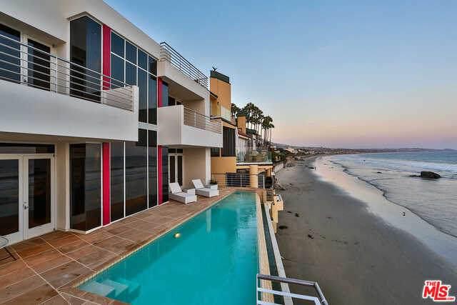 31460 Broad Beach Rd, Malibu, CA 90265 (#21-729206) :: The Pratt Group