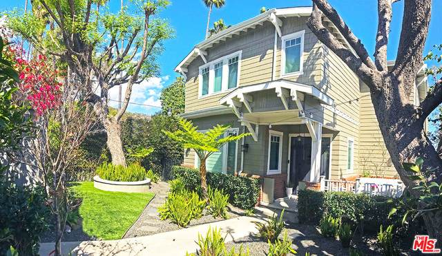 1554 N Sierra Bonita Ave, Los Angeles, CA 90046 (#21-729596) :: Compass