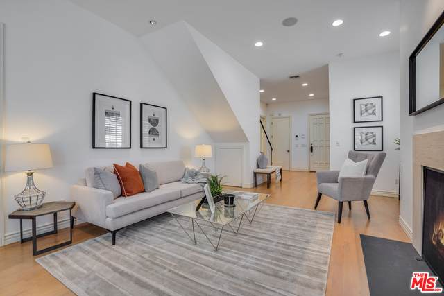 9014 Norma Pl, West Hollywood, CA 90069 (#21-730578) :: Compass