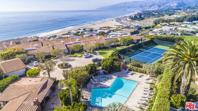 6778 Las Olas Way, Malibu, CA 90265 (#21-732200) :: The Pratt Group