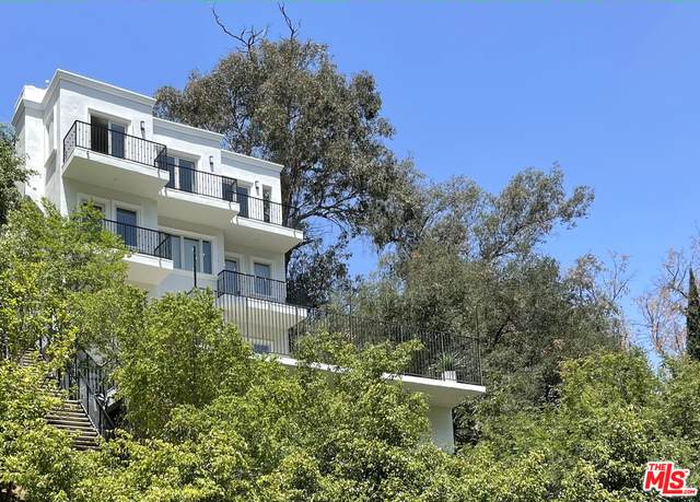 8569 Lookout Mountain Ave, Los Angeles, CA 90046 (#21-732444) :: Lydia Gable Realty Group
