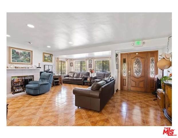 5515 Fallbrook Ave, Woodland Hills, CA 91367 (#21-736734) :: Berkshire Hathaway HomeServices California Properties