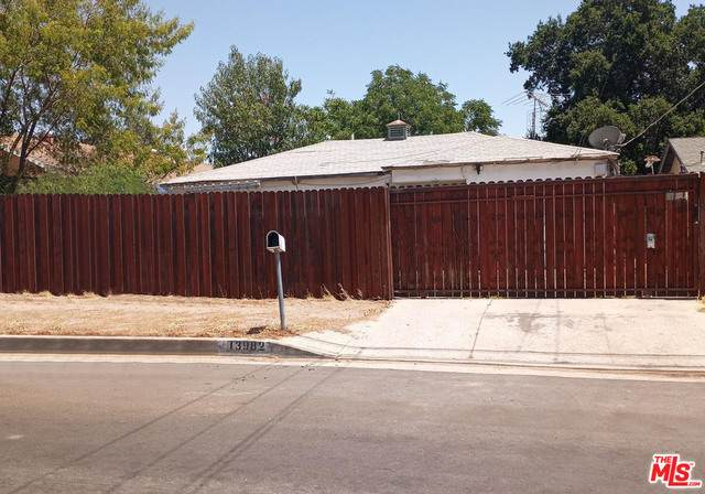 13982 Weidner St, Pacoima, CA 91331 (#21-746544) :: Lydia Gable Realty Group