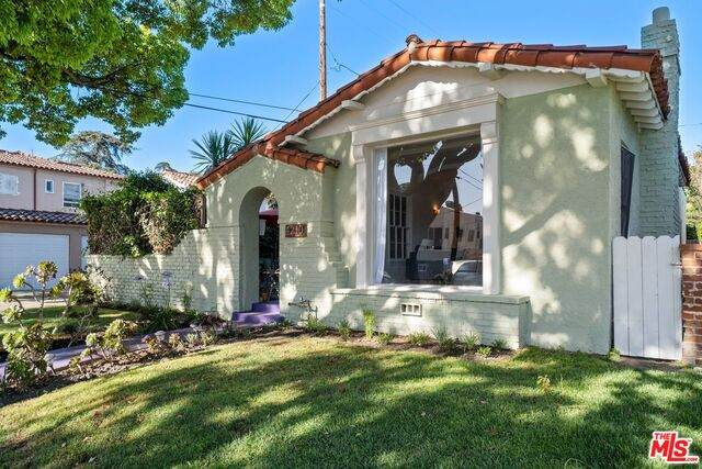 4210 11Th Ave, Los Angeles, CA 90008 (#21-747936) :: Lydia Gable Realty Group