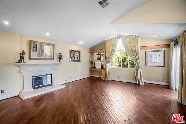 11326 Old Ranch Cir, Chatsworth, CA 91311 (#21-748168) :: The Parsons Team