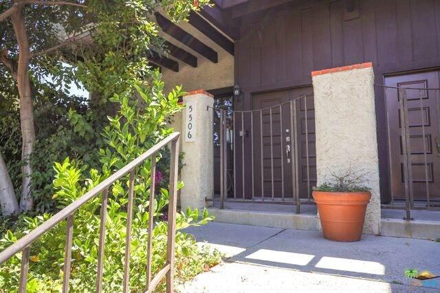 5506 Zelzah Ave, Encino, CA 91316 (#21-749302) :: The Suarez Team