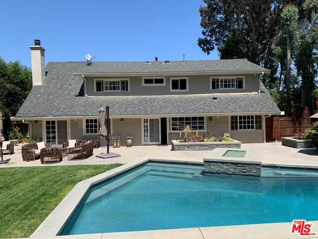 4041 Ellenita Ave, Tarzana, CA 91356 (#21-754190) :: Berkshire Hathaway HomeServices California Properties