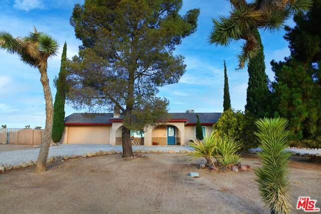 5440 Elata Ave, Yucca Valley, CA 92284 (#21-763464) :: The Grillo Group