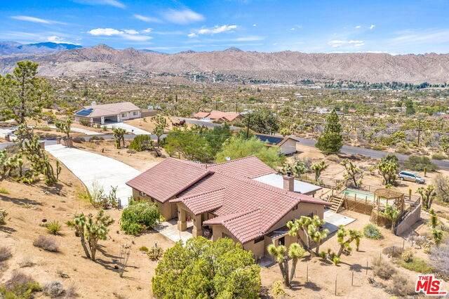 55550 El Dorado Dr, Yucca Valley, CA 92284 (#21-763566) :: The Bobnes Group Real Estate