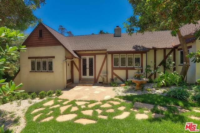 2049 Stanley Hills Pl, Los Angeles, CA 90046 (#21-764996) :: The Pratt Group