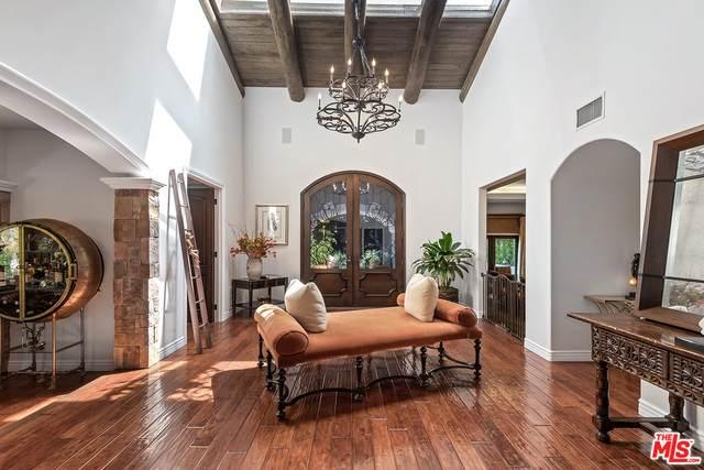 17647 Belinda St, Encino, CA 91316 (#21-772534) :: The Bobnes Group Real Estate