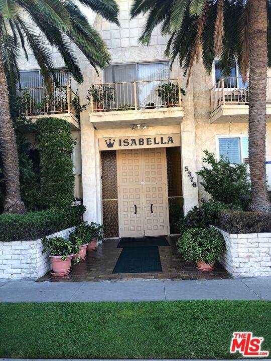 5376 Fairview Blvd #107, Los Angeles, CA 90056 (#21-793560) :: The Bobnes Group Real Estate