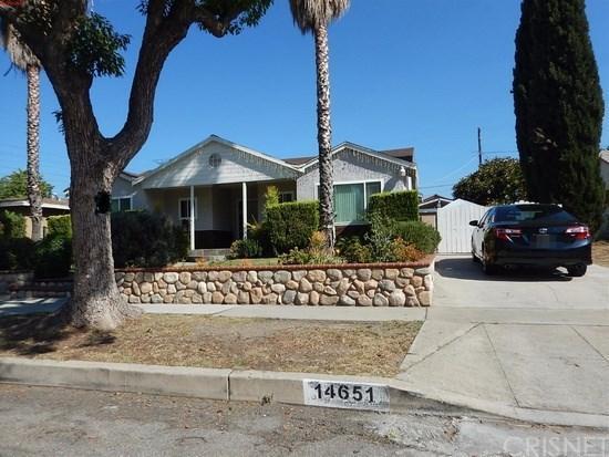 14651 Minnehaha Street, Mission Hills San Fernando, CA 91345 (#SR19088501) :: Paris and Connor MacIvor