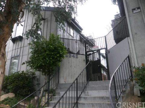 9342 Van Nuys Boulevard #17, Panorama City, CA 91402 (#SR19104280) :: Paris and Connor MacIvor