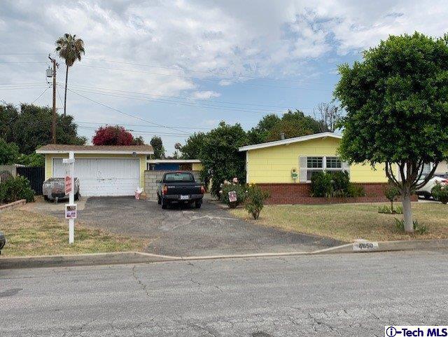 4650 N Conwell Avenue, Covina, CA 91722 (#319001990) :: The Pratt Group