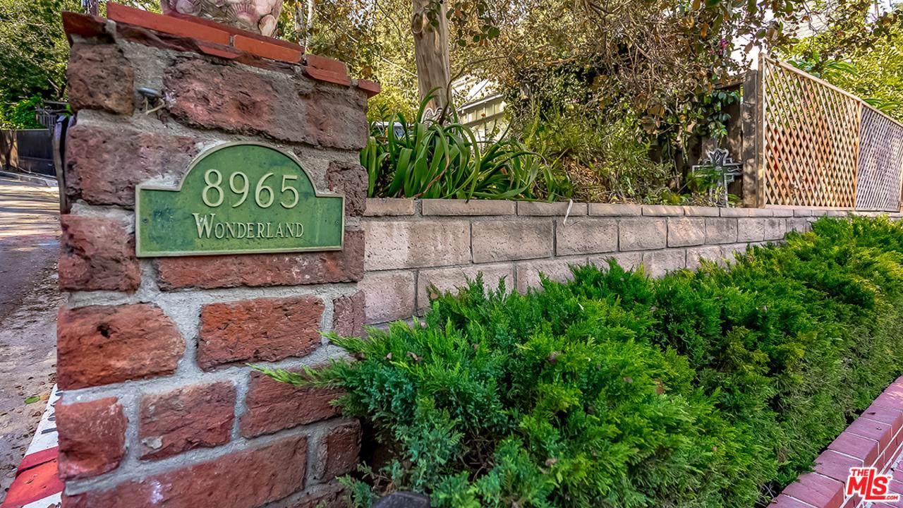 8965 Wonderland Avenue - Photo 1