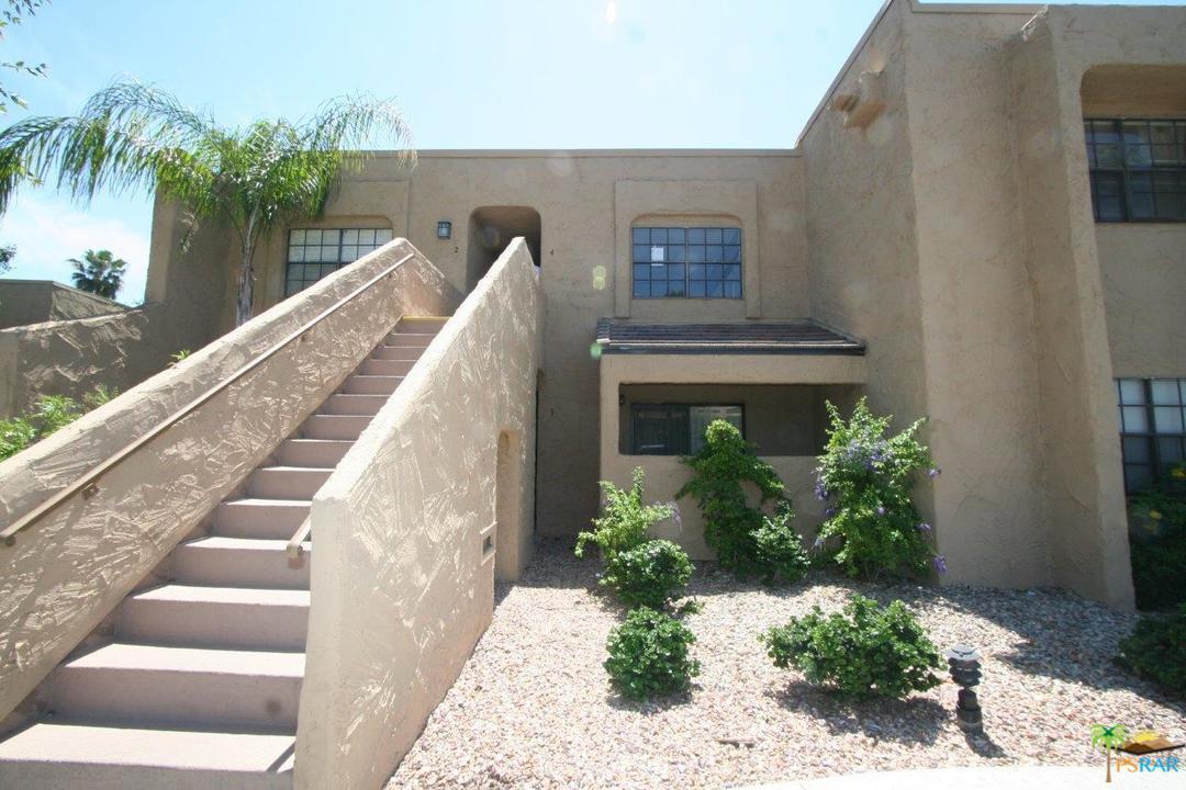 5300 E Waverly Drive J4, Palm Springs, CA 92264 (#17223210PS) :: Paris and Connor MacIvor