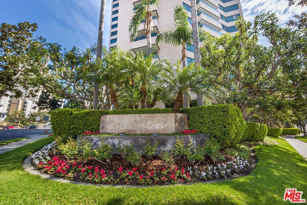 10490 Wilshire #301, Los Angeles (City), CA 90024 (#17223214) :: Paris and Connor MacIvor