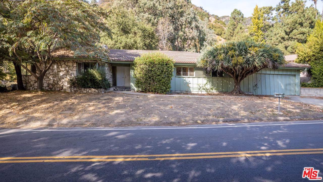3469 Mandeville Canyon Road - Photo 1